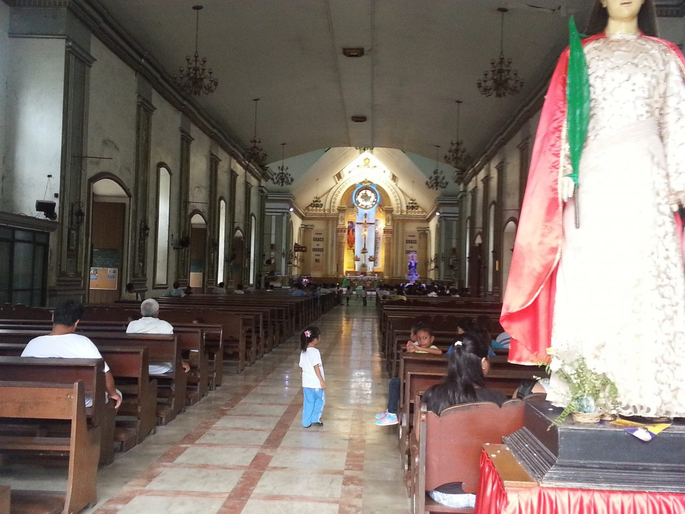 inside the dumaguete cathedral