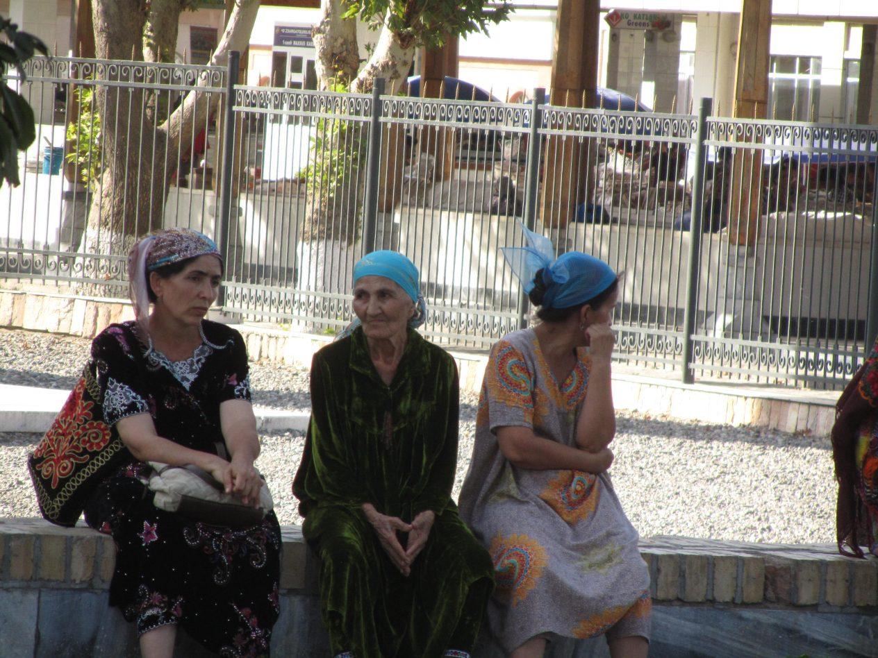 uzbek ladies' outfit